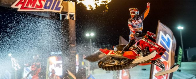 Kody Kamm snocross dominator winner